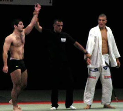 guard passing win over Rener Gracie